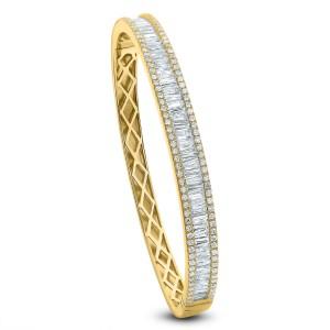 18KT 1.32 CT Diamond Studded Bangle