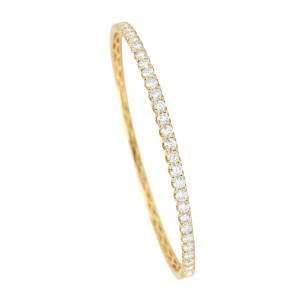 18KT 2.40 CT Studded Diamond Bangle