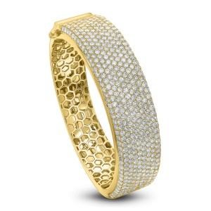 18KT 14.00 CT Diamond Wide Bangle